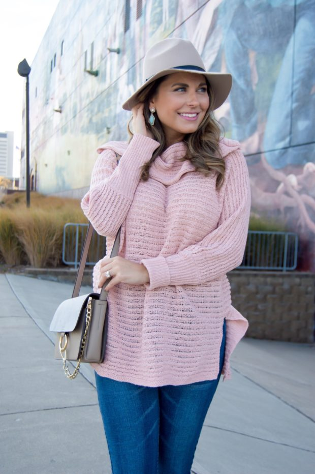 16 Lovely Casual Pink Sweater Outfit Ideas - sweater outfits, pink sweater, pink Outfit, pale pink outfit, Cozy Sweater for Chilly Fall Weather, Cozy Sweater, casual winter outfits