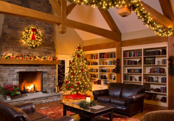 17 Beautiful Christmas Mantel Decor Ideas - mantel decoration, fireplace mantel, Christmas mantel decoration, Christmas Decorations, Christmas Decorating Ideas