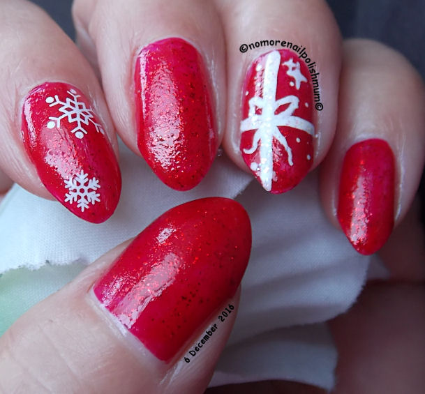 Get Ready for Christmas: 15 Festive Nail Art Ideas