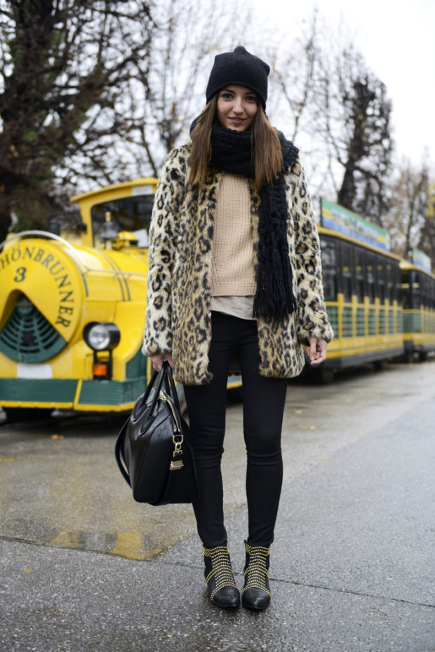 Warm and Cozy Scarf for Cold Winter Days: 18 Lovely Outfit Ideas (Part 1)