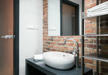 10 Design Ideas For Small Bathrooms - small bathroom ideas, minimalist bathroom, bathroom