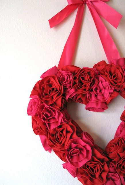 17 Sweet and Simple DIY Valentines Day Decorations