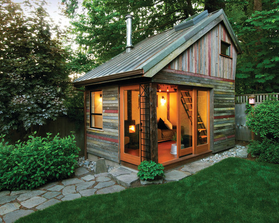 Backyard Escapes: 17 Amazing Cottage Design Ideas