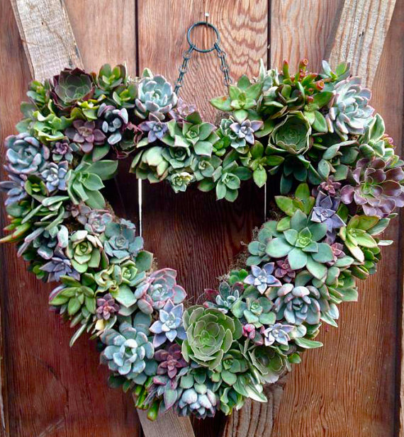 Feel The Love 17 DIY Valentine's Wreaths