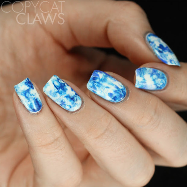 15 Perfect Combination of Blue and White Color for Cute Winter Nail Art