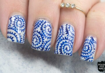 15 Perfect Combination of Blue and White Color for Cute Winter Nail Art - winter nail art, white nail art, blue nail art ideas, blue and white nail art ideas