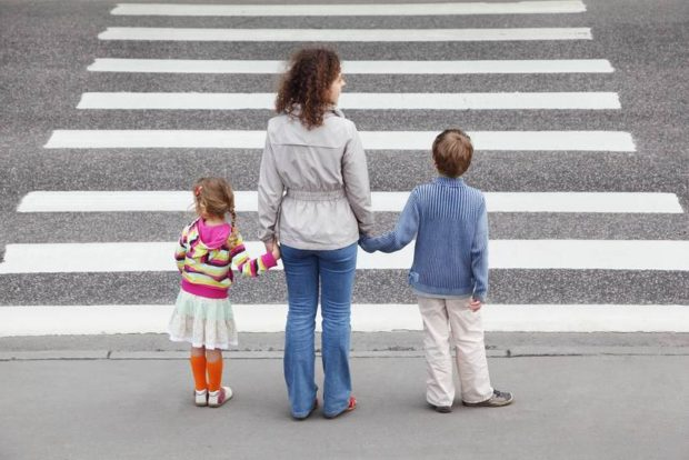 Teaching Your Children to Stay Safe on the Street - stay safe, children