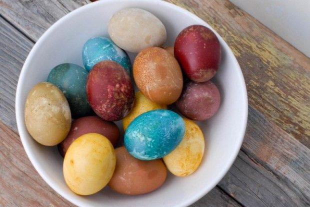 16 Creative and Easy DIY Easter Eggs Decorations - Easter decor, Easter crafts, DIY Easter Eggs Decorations, DIY Easter Eggs, diy Easter decorations, diy Easter