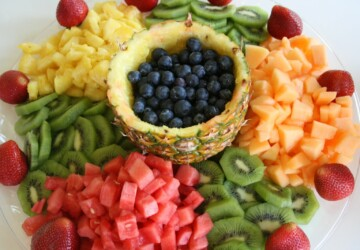 14 Fresh and Creative Fruit & Veggie Tray Decorating Ideas - vegetable, fruit tart recepis, Fruit and Veggie, fruit and vegetables, Creative Fruit & Veggie Tray Decorating Ideas, Creative Fruit & Veggie Tray