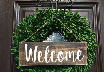 15 Amazing DIY Welcome Signs for Your Front Porch - welcome sign, spring porch decor, porch decor, diy welcome signs, diy welcome sign, diy front door