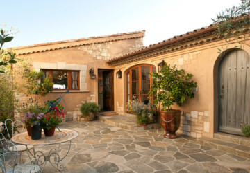 18 Stunning Patio Design Ideas in Tuscan Style - Tuscan Style, Tuscan patio, Tuscan outdoor, Tuscan design, Tuscan, patio design ideas, patio decor, Mediterranean Style patio