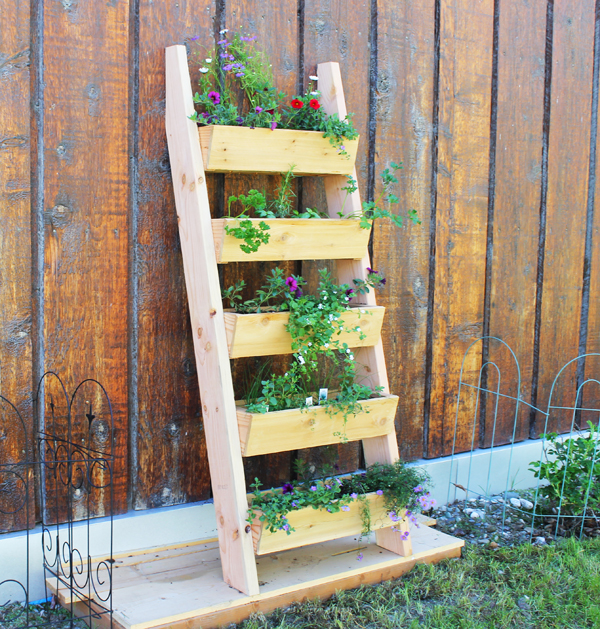 15 Creative DIY Ideas That Will Transform Your Garden