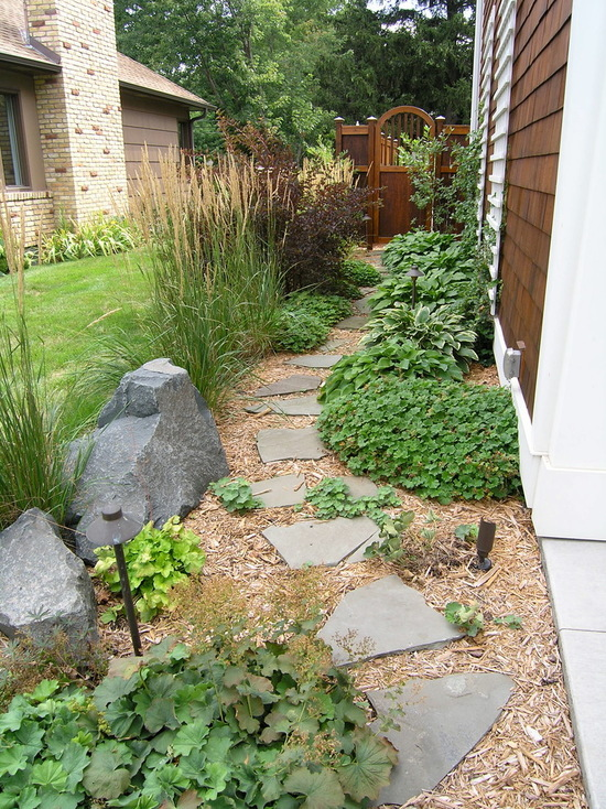 17 Landscaping Ideas for Side Yards - side yard, outdoor, landscaping side yard