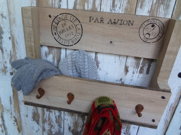 16 Creative and Practical Storage & Organization Crafts Made Out of Pallet Wood