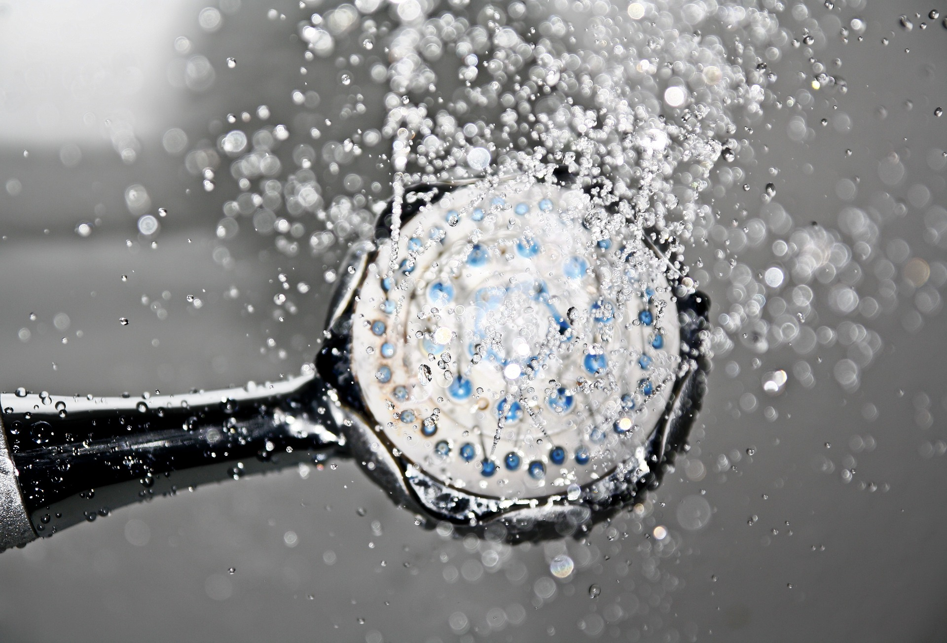 5 Easy Water Saving Tips in the Bathroom