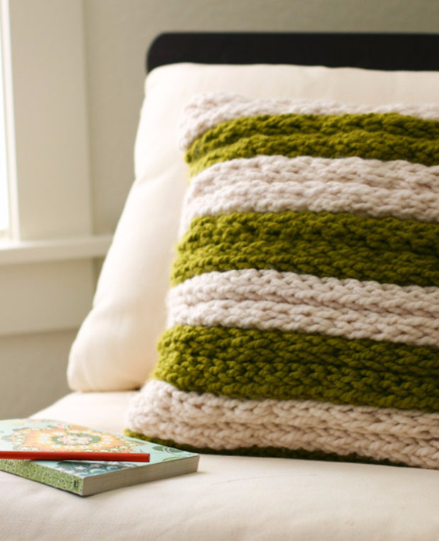 15 Amazing DIY Projects That You Can Knit In No Time