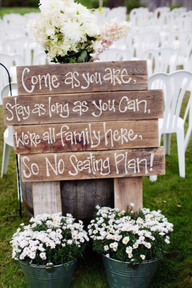 15 Creative DIY Ideas For An Outdoor Summer Wedding