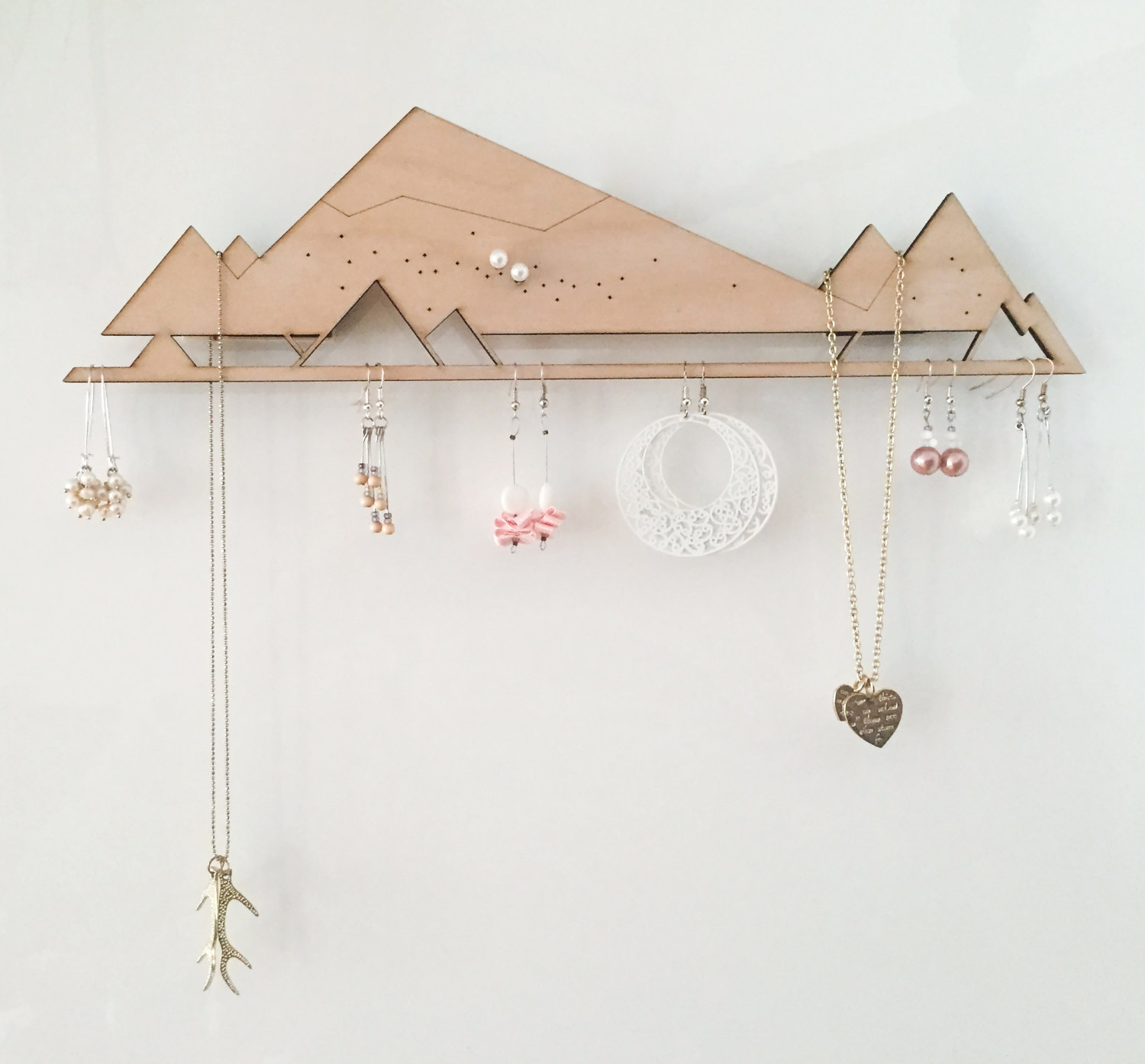 15 Creative Handmade Jewelry Organizer Designs You Need