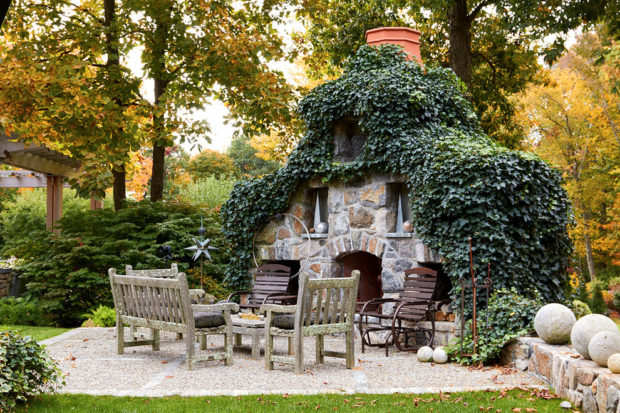 15 Sensational Rustic Backyard Designs That Will Make You Want Them
