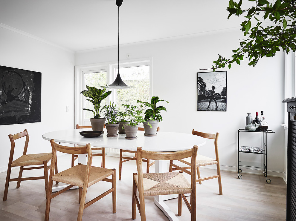 17 stunning scandinavian dining room designs that will Scandinavian style dining room
