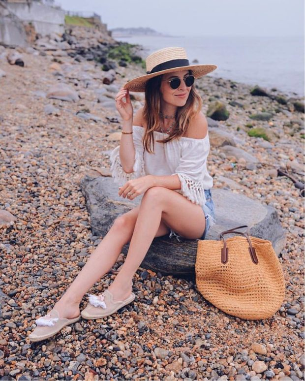 Denim Shorts are Must Have for Summer 2017  15 Chic Outfit Ideas