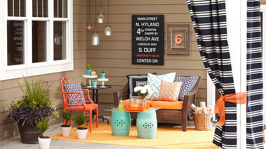 Diy outdoor projects 15 colorful porch ideas part 1 for Colorful backyard ideas