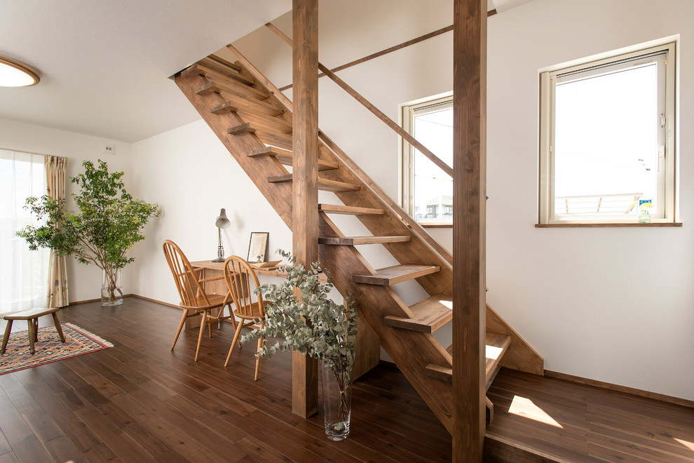 16 Compelling Staircase Designs That Sparkle With Elegance
