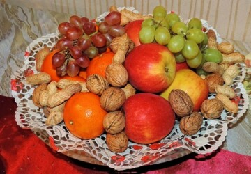 Healthy Snacking with Fruits and Nuts - nuts, healthy snacking, healthy, fruits, food