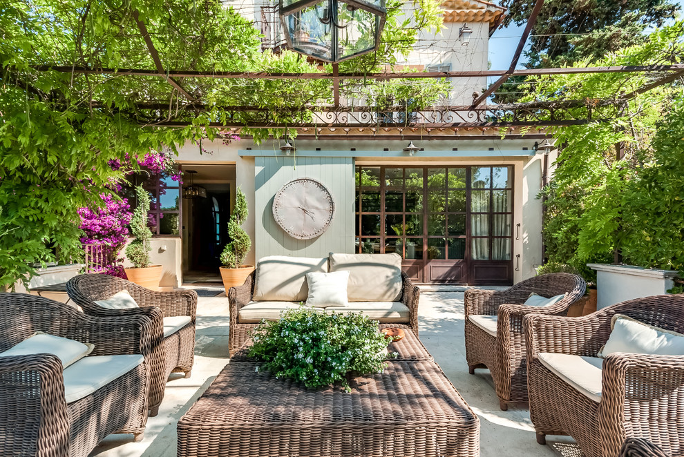15 dazzling mediterranean patio designs that won t let you leave