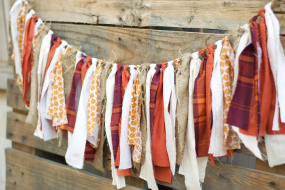 19 Cheerful Handmade Fall Banners And Garlands To Decorate With