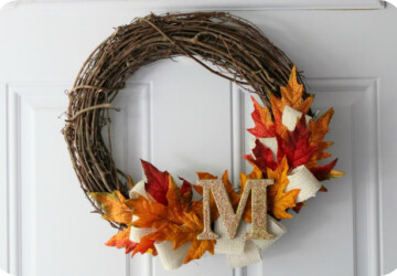 18 Great DIY Fall Wreaths to Dress Up Your Front Door - DIY Wreaths Ideas, diy fall wreath, DIY Fall Porch Decorating Ideas, diy fall, DIY Decorating Ideas