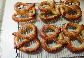 17 Amazing Pretzel Recipes and Ideas - recipes, pretzels, Pretzel Recipes, Pretzel