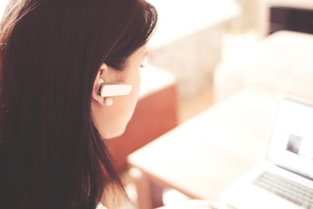 How Can Wearable Technology Revolutionize Customer Service