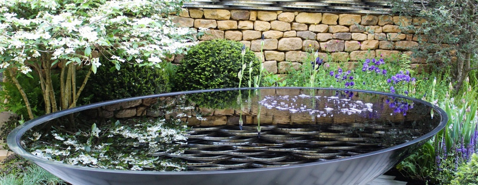 12 charming diy garden pond ideas style motivation for Diy patio pond