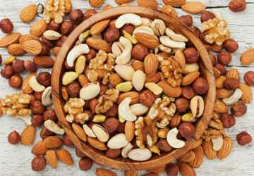 8 Healthy Fats You Should Be Eating - whole nuts, salmon, olives, olive oil, nuts, healthy fats, ground flaxseed, dark chocolate, Avocado