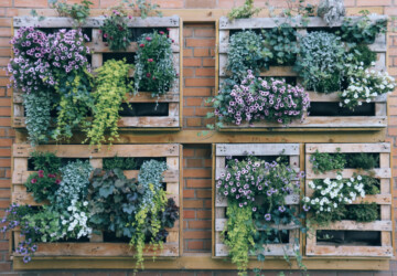 12 Genius DIY Vertical Gardening Ideas For Small Spaces - Vertical Garden, DIY Vertical Garden Ideas, DIY Vertical Garden, DIY Garden Pallet Projects, diy garden
