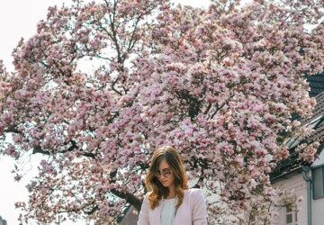 Spring Street Style: 16 Great Outfit Ideas to Copy Now - spring street style, spring skirt outfit, spring outfit ideas, Next-Level spring Outfits
