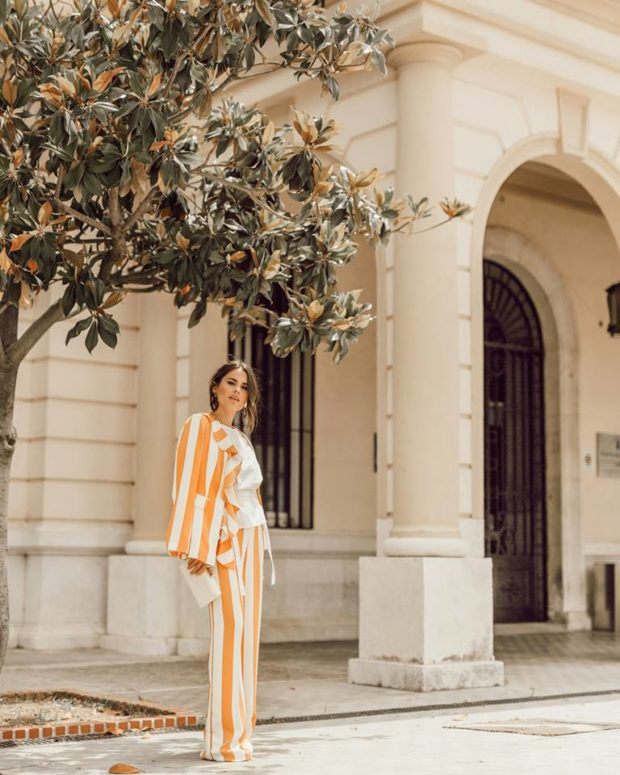 16 Classic & Chic Outfits to Master This Summer