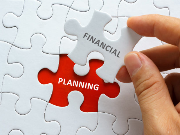 5 tips for making a realistic financial plan and how to stick to it