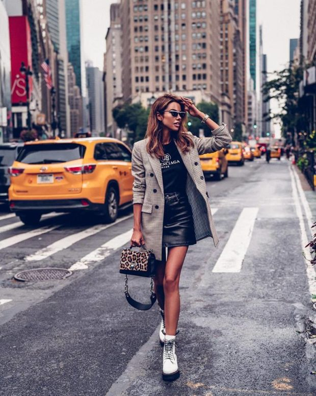Street Style–15 Ways to Wear a Mini Skirt Through Fall