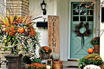 15 Creative DIY Fall Porch Decor Ideas - Fall Porch Decorating Ideas, Fall Porch Decor Ideas, fall porch decor, Fall Porch, DIY Fall Porch Decorating Ideas, DIY Fall Porch Decor Ideas, DIY Fall Porch Decor