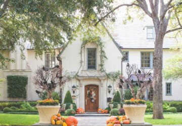 15 Spooky and Creative Outdoor Halloween Decorating Ideas - Outdoor Halloween Decoration Ideas, Outdoor Halloween Decorating Ideas, DIY Outdoor Halloween Decoration Ideas, DIY Outdoor Halloween Decoration
