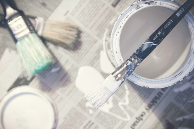 The Toxic Free Home: The Beginner's Guide to Non Toxic Alternative Paints