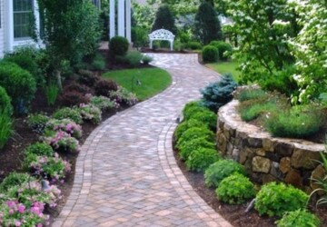 5 Reasons Landscaping Matters to Your Home - outdoors, landscaping, home, frontyard, backyard