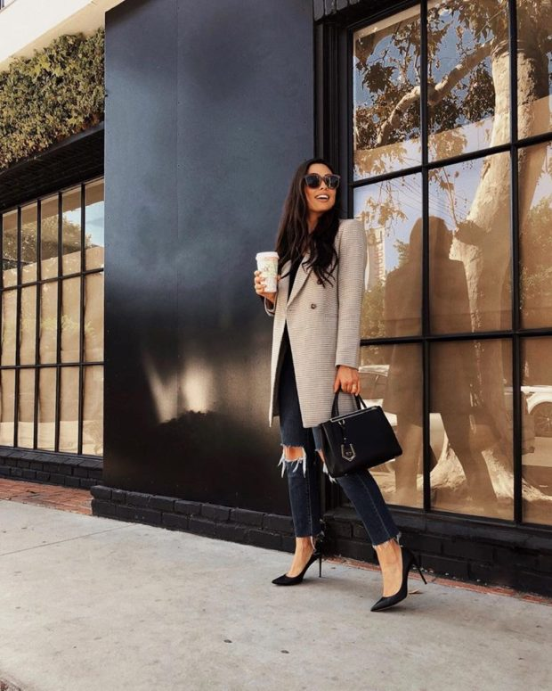 15 Elegant Coat and Classic Pumps Outfit Combinations