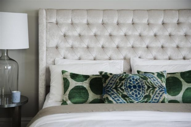 How Will One Pick The Perfect Bed Head To Accentuate The Beauty Of The Bedroom?