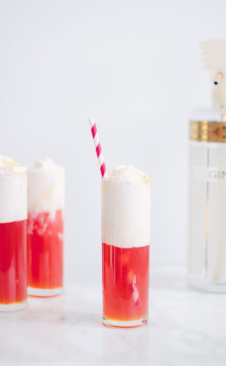 21 Holiday Inspired Cocktail Float Recipes for Parties - Holiday Inspired Cocktails, Holiday Inspired Cocktail Float Recipes for Parties, Holiday Inspired Cocktail Float Recipes, Holiday Cocktails