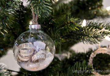 Elegantly Adorable Ways to Fill Clear Ornaments - Fill Clear Ornaments, diy ornaments, Christmas DIY Ornaments