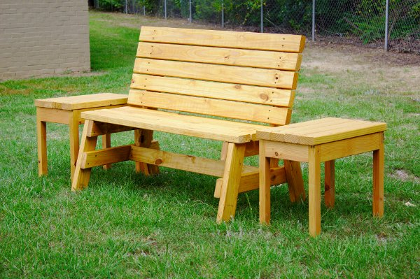 Source: http://jayscustomcreations.com/2013/06/free-plans-2×4-outdoor-bench/