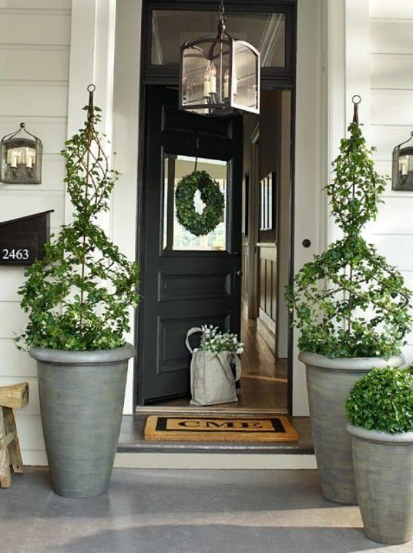 5 Simple Ways to Spruce Up the Entrance to Your Home - paint, Front door, bushes